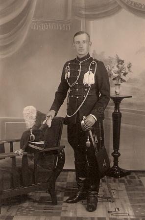 1934 Pa als Huzaar van Boreel te Deventer
