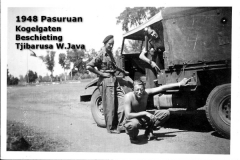 19a 19481004 Kogelgaten beschoten truck op W.Java(Tjibarusa)