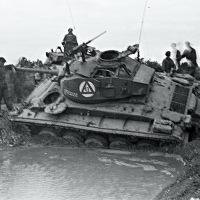 1953_06-Belgie-Elsenborn-oefening-tank