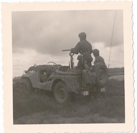 1961 102 RHB oefening bij Elspeet verk.jeep