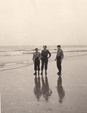 12. Op Ameland met Wachtmeester Idsinga, Gregoire en Berkers